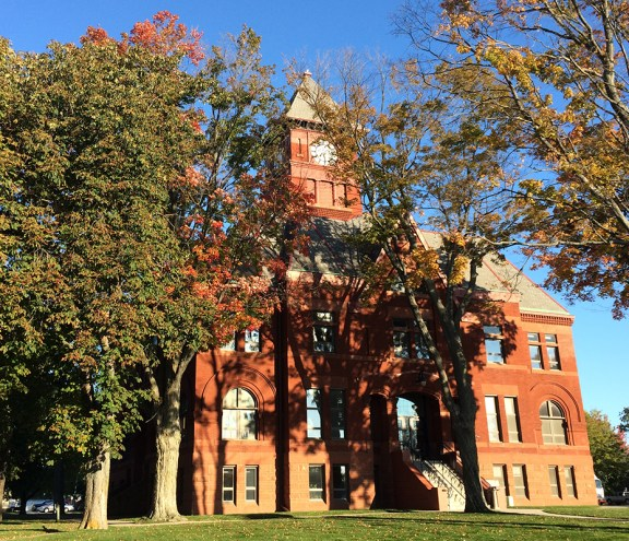 mason_county_courthouse_fall