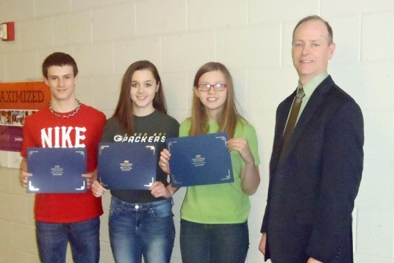 Scott Shoup with winners Sierra Fogel, Tylor Fargo  and Cierra Grimm. Submitted photo.