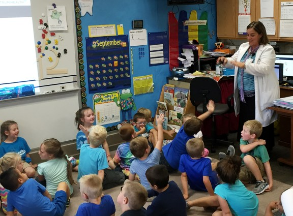 Kathy Grierson of Spectrum Health talks to Scottville Elementary students.