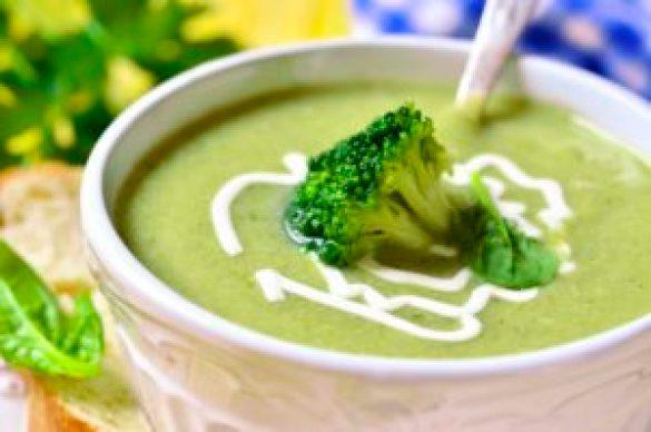 Crema de brocoli, en puré, hervido o salteado, un super-alimento.