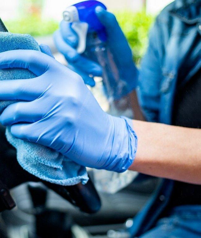 Cómo desinfectar tu coche de COVID-19