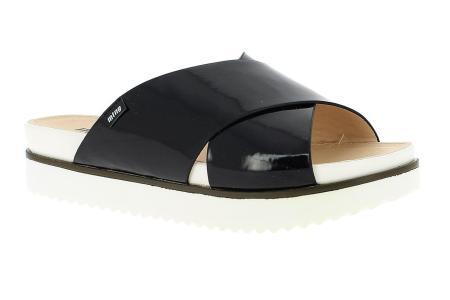 sandalia tiras ugly shoe Mustang