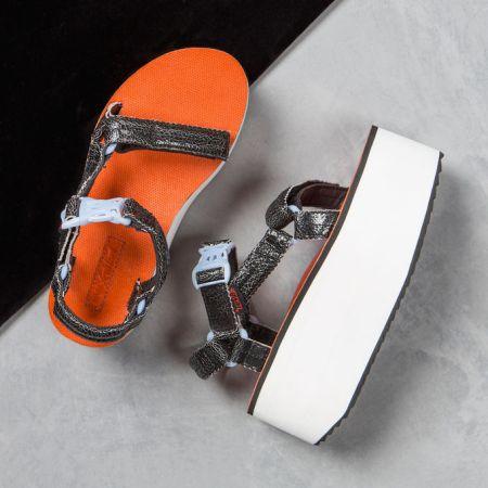 las ugly shoes de teva