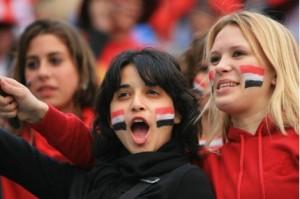 بنات مصر تشجع المنتخب المصري