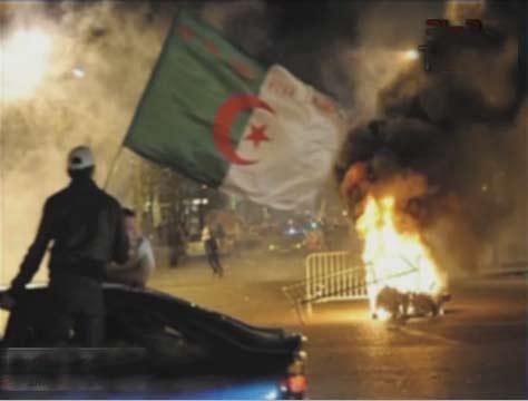 علاء مبارك : لو كسبنا الجزائر في السودان كانوا خلصوا علينا   احداث مباراة مصر والجزائر