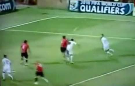 اتحاد الكرة لا يريد اعادة مباراة مصر والجزائر | فريق سويسري يدافع عن حقوق مصر بعد جرائم الجزائريين