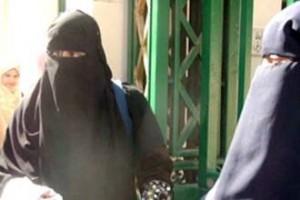 منقبات مصريات  - قرار منع النقاب في الجامعة وا
