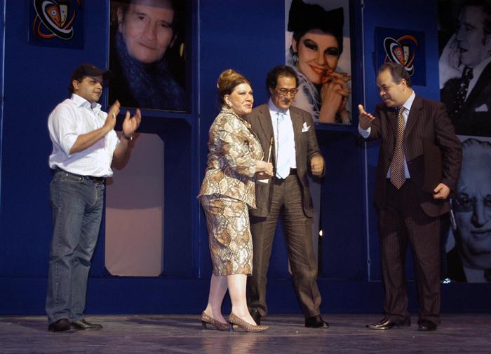 شويكار رقصت على المسرح في افتتاح مهرجان القاهرة السينمائي | فيديو