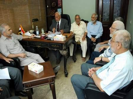 أعضاء في شورى الاخوان المسلمين : استفتاء مكتب الارشاد صوري وباطل