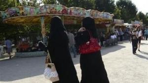 قانون لمنع ارتداء النقاب في فرنسا