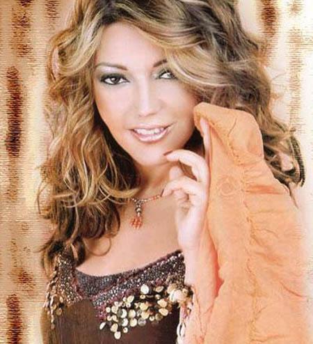 سميرة سعيد تنضم للقائمة السوداء الجزائرية
