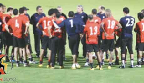 منتخب مصر يستعد لمفاجات مباراة مصر وموزمبيق الليلة | انجولا 2010