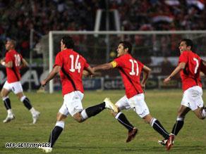مباراة مصر والجزائر انجولا 2010