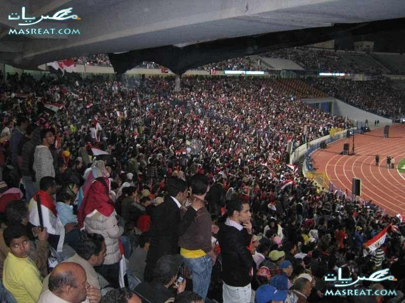 عمرو زكي مع المنتخب في مباراة مصر وانجلترا 2010
