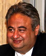 رامي لكح يعود الى مصر ويقيم حفلة احتفالا بقرار النائب العام