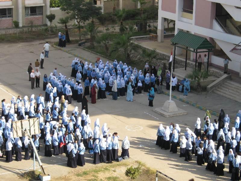 انتحار طالبة ثانوي داخل مدرسة بسوهاج بسبب الحب