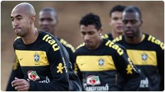 في مباراة البرازيل و تشيلي مواجهة خاصة بين جارتين بدور ال16