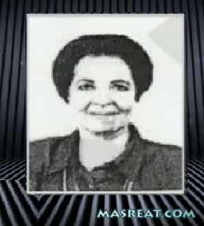 صورة والدة حازم صلاح ابو اسماعيل وهي سافرة تثير استياء اتباعه