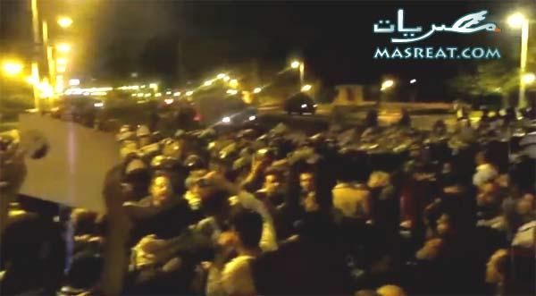 هروب الرئيس محمد مرسي من قصر الاتحادية وابراهيم عيسى يغني فرحاً