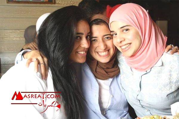 صورة ابنة الرئيس عبد الفتاح السيسي مع صديقاتها