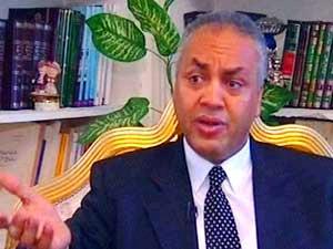 مصطفى بكري يتقدم ببلاغ للنائب العام ضد أسمنت سيمبور