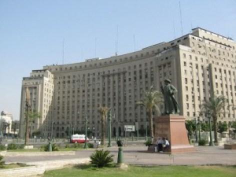 المصريون يفضلون العمل في الوظائف الحكومية