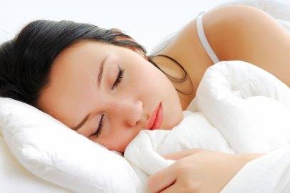 فوائد النوم في الصحة والجمال