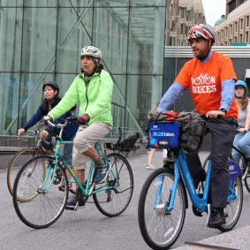 Many cyclists rode in on group convoys.