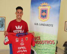 La UD Lanzarote refuerza el juego de bandas con el fichaje de Alex Cruz