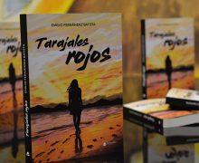 Emilio Fernández presentó 'Tarajales Rojos', su nueva novela ambientada en Fuerteventura y Lanzarote
