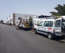 El Ayuntamiento de Tías realiza nuevas obras para soterrar cables aéreos en La Asomada y Mácher
