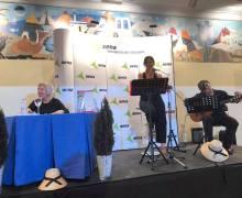 """Chicha Reina presentó el libro """"Mujeres en la Isla"""" anoche en el Museo Aeronáutico de Lanzarote"""