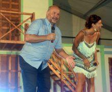 El humor de Matías Alonso y Yanely Hernández sacaron las carcajadas y aplausos del público