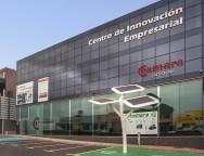 La Cámara de Lanzarote visita puerta a puerta las empresas de La Graciosa