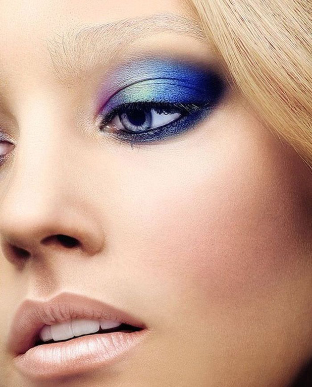 Applying 2 or 3 degrees of blue shadows over the eye