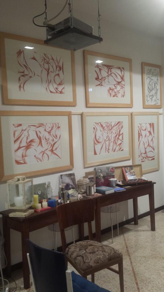 Alcuni disegni dell'artista esposti alla Tarantola