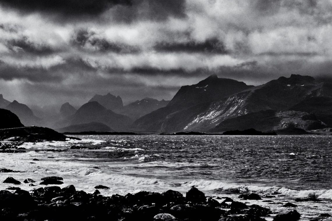 Art photographer. Spettacolare paesaggio norvegese.