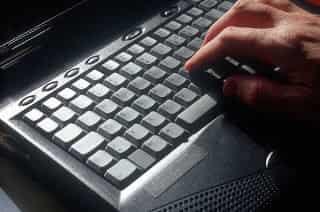 100 Tombol Kombinasi Keyboard Beserta Fungsinya - Windows PC
