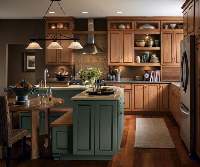 Light Maple Cabinets in a Casual Kitchen - MasterBrand on Maple Cabinets  id=50964