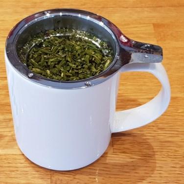 Gebruik een ruim theefilter, zodat blaadjes goed kunnen uitrollen!