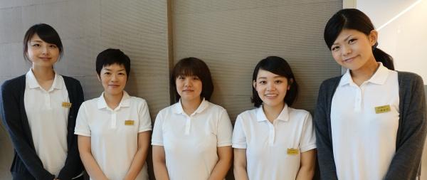 豊中市ますだ歯科医院 歯科衛生士集合写真