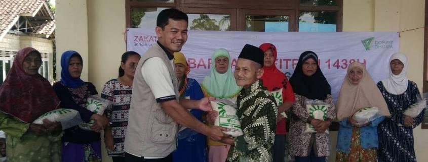Tebar Zakat Fitrah di Sukabumi