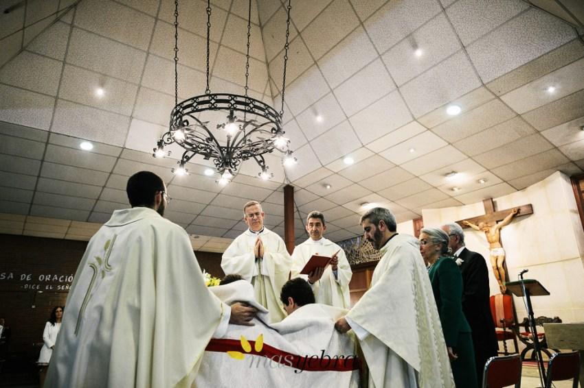 MasyebrayCruz.com :: Boda en la Parroquia Virgen de la Fuensanta. Convite en El Jardín del Mesonero. Las Rozas, Madrid.