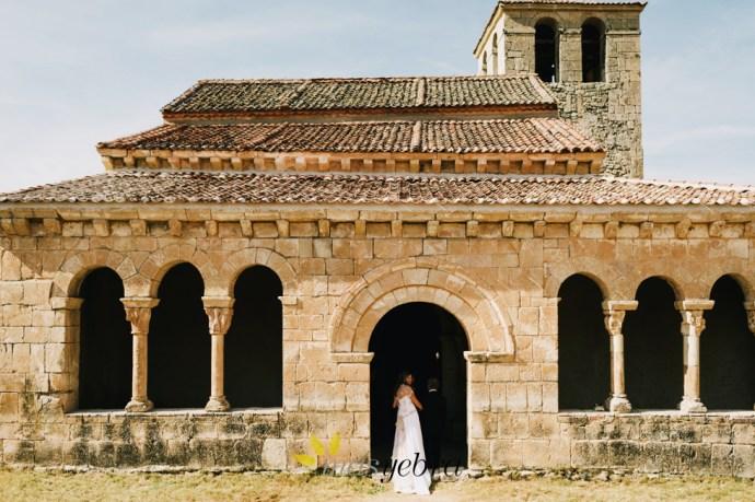 Masyebra.com :: Fotógrafo de Bodas :: Boda en la ermita Nuestra Señora de las Vegas. Celebración en La Tejera de Fausto. Requijada, Segovia.