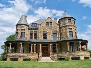 dooley mansion front