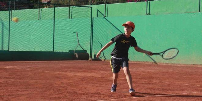 Participa del Festival Infantil y Juvenil de la Academia Colombiana de Tenis 8fa9cb3e8dc3b