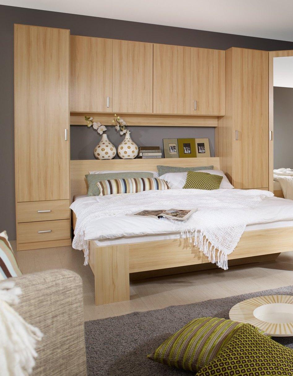 armoire au dessus du lit bright