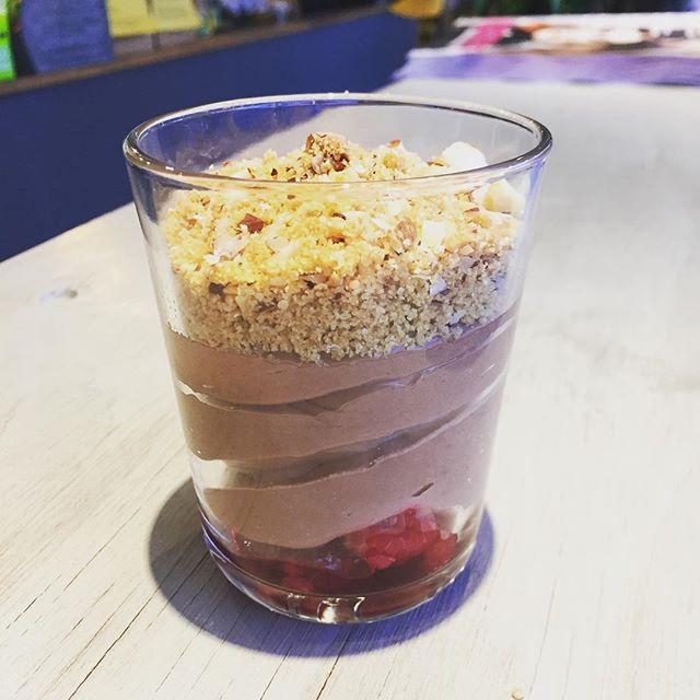 Nutellacheesecake med hallon och hasselnötscrust! Mums#nutellacheesecake #materiamajorna