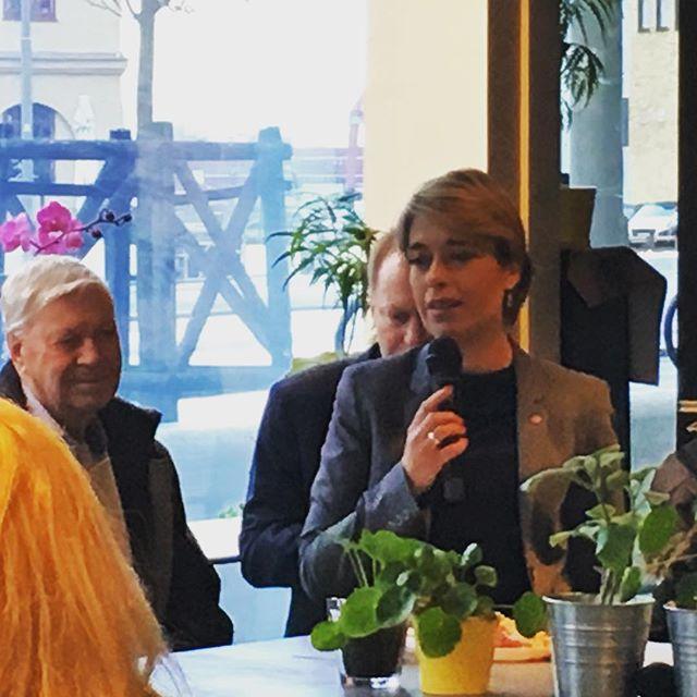Finbesök på Popup av socialminister, Annica Strandhäll #annicastrandhall #materiapopup