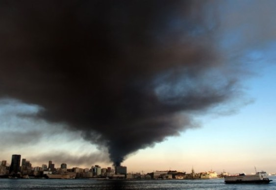 Fumaça de incêndio chega a Petrópolis